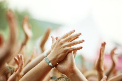 自己人才自己用!內部講師讓企業經驗傳承更輕鬆 Concert_hands_clapping